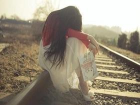 夜深人静时伤心落泪的句子